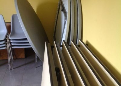 tables-chaises-2-400x284